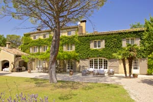 Rent a Large Villa or Chateau in Provence