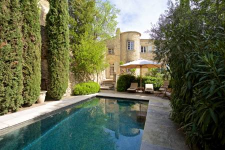 Vacation Rentals at Le Prieuré de Chateauneuf