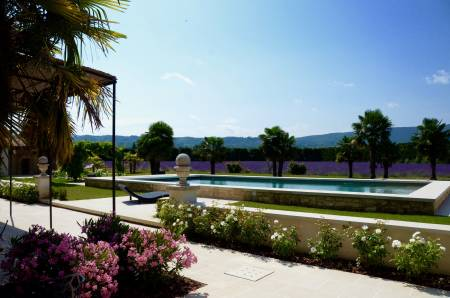 Vacation Rentals at Le Mas des Lavandins