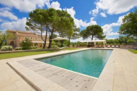 Vacation Rentals at Mas du Milan