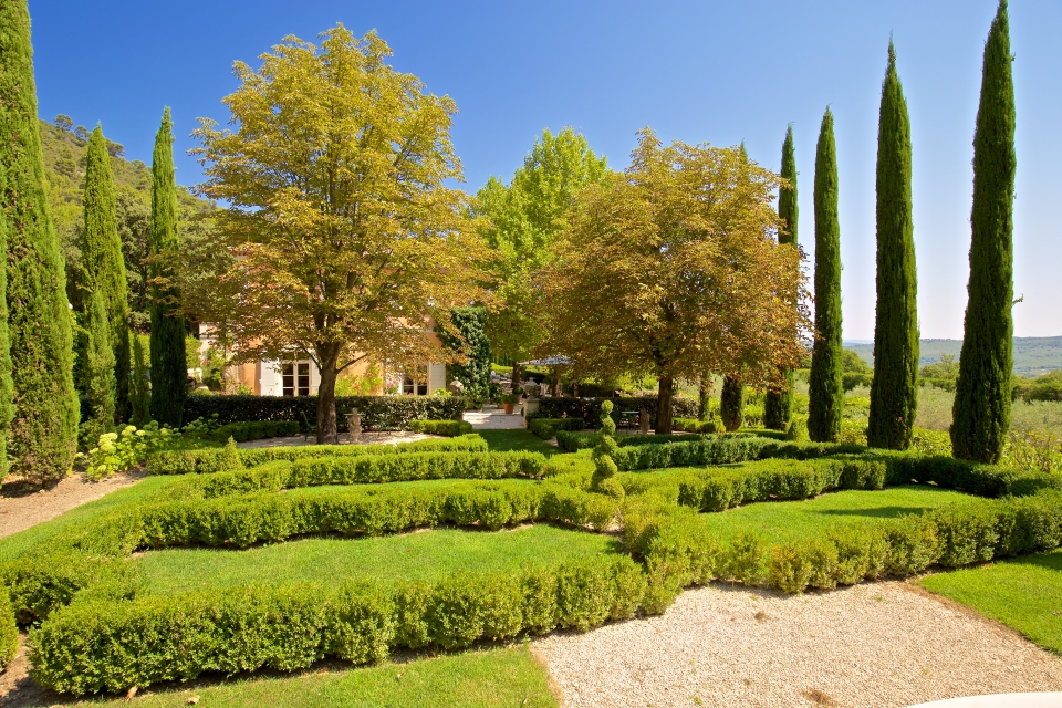 Photo number 34 of Bastide Des Jardins