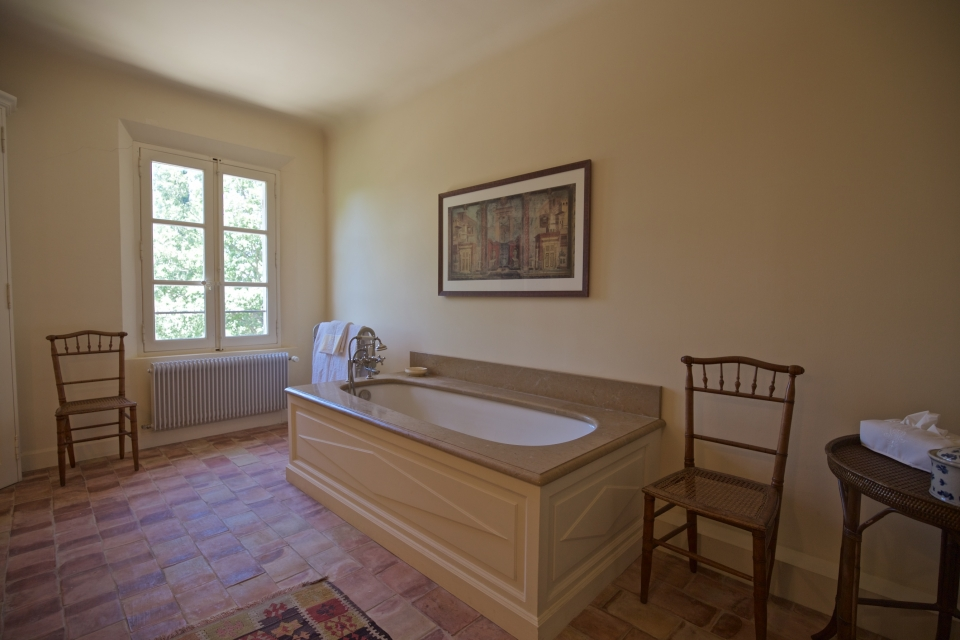 Photo number 34 of Bastide Beaurecueil