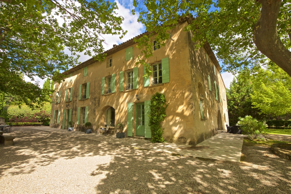 Photo number 02 of Bastide de Caireval