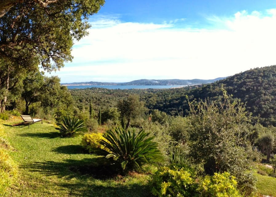 Photo number 48 of Villa du Golfe