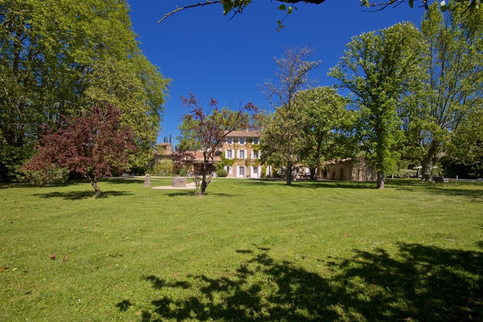 Photo number 100 of Bastide des Papes