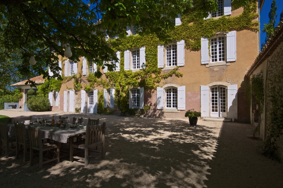 Photo number 02 of Bastide des Papes