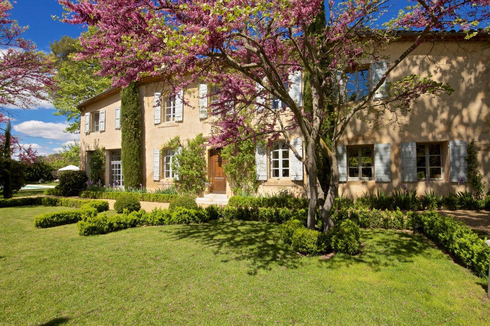 Photo number 02 of Bastide des Pinchinats