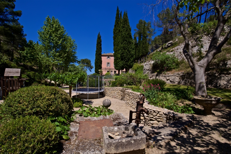 Photo number 25 of Bastide de Trevallon