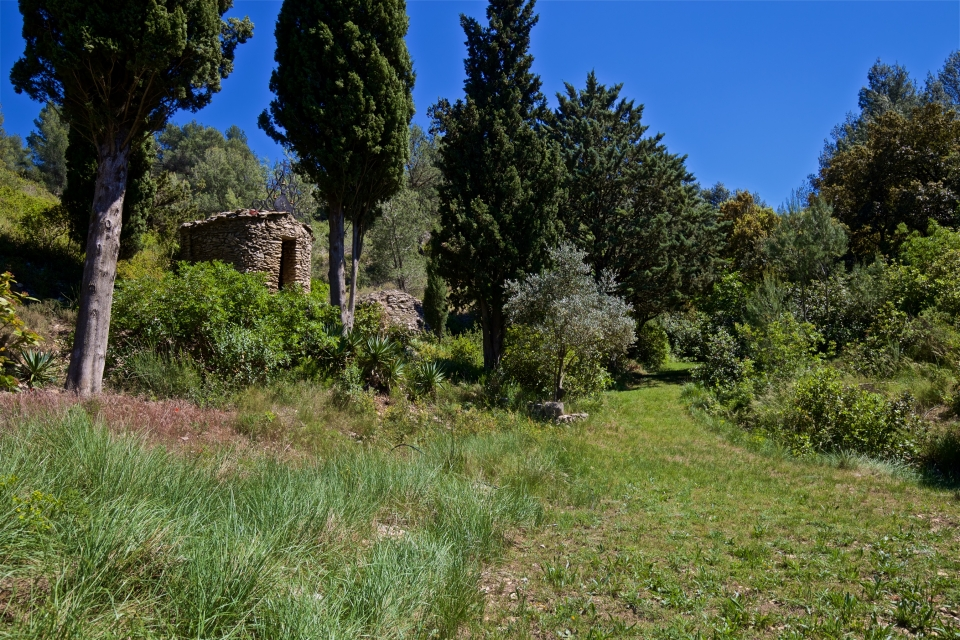 Photo number 27 of Bastide de Trevallon