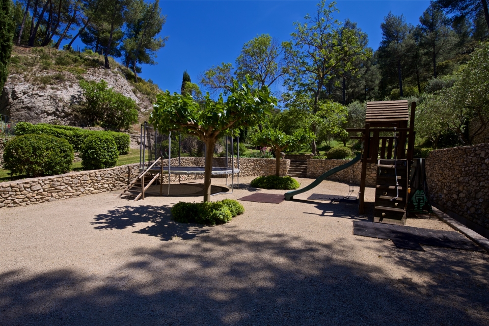 Photo number 37 of Bastide de Trevallon